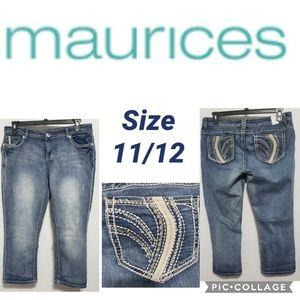 Maurices Capri Size 11/12 Bling